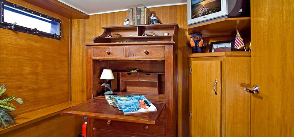 Starboard Office – Guest Stateroom