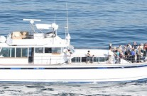Starboard Profile with 30+Passengers on Bow